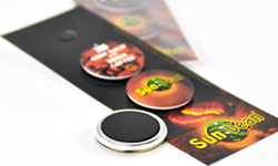Button badges with magnet on card
