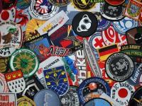 Aufnaeher - Aufnäher sticken lassen | Badges, Patches